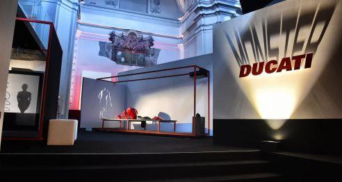 Fuorisalone 2014 Exposición Ducatti Monster en el Museo del Diseño