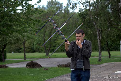 Peter 2E0SQL operates using the Arrow II Satellite Antenna
