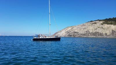 Alquiler velero Harmony 47 Ironia fondeado en Plentzia
