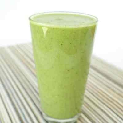 Green Smoothie Recipe with Banana-Orange-Apple