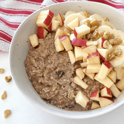 Easy Cinnamon Oatmeal Bowl {4 ingredients, vegan}