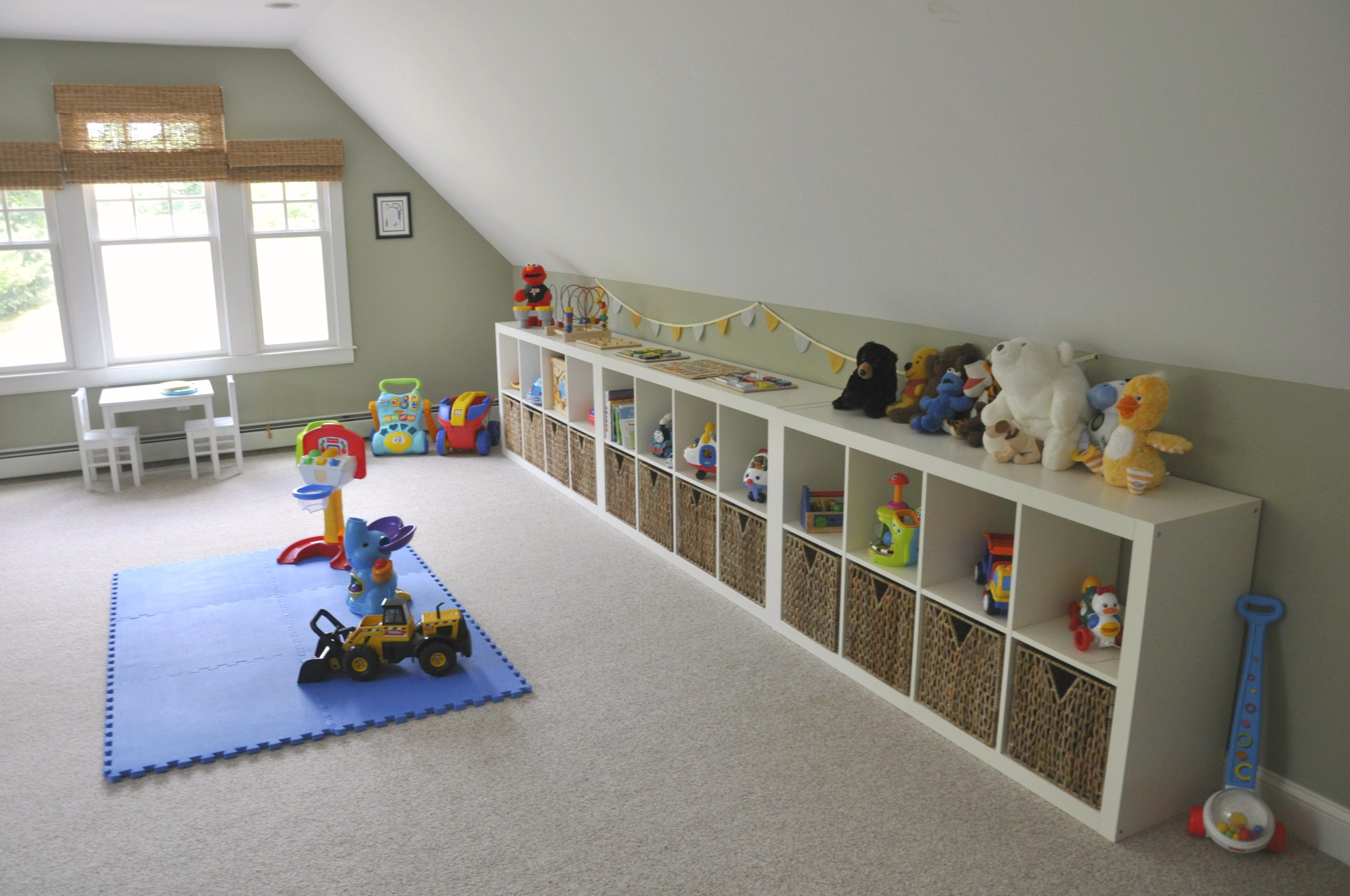 ikea expedit playroom storage 2 sisters 2 cities. Black Bedroom Furniture Sets. Home Design Ideas