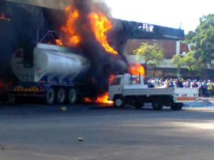 Redan Service station fuel trucks on fire -  Picture by Radio Dialogue FM