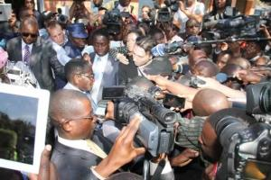 Robert Mugabe casts vote  in Highfield