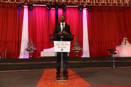 Emmanuel Makandiwa presideing at mass wedding in Harare