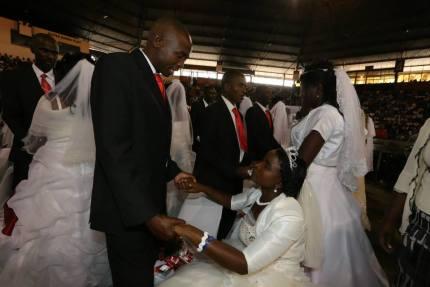 Mass wedding at UFIC