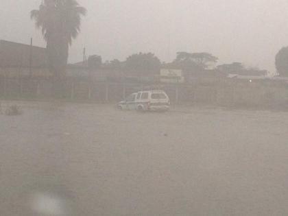 Floods in Harare's CBD - Pic: @DannyThatGuy