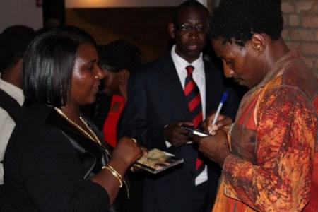 Victor Kunonga signs autographs Pic: Ngoma Nehosho
