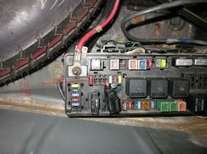chrysler 300c battery draining 2A when ignition off