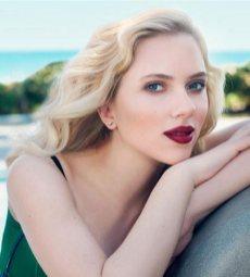 Scarlett Johansson blonde glamour