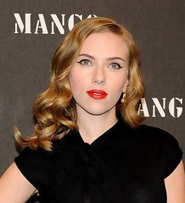 Scarlett Johansson châtain foncé