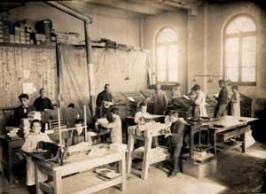 La scuola per legatori di libri presso l'Istituto salesiano di Valdocco