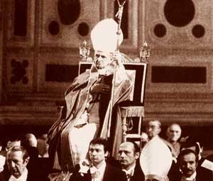 Paolo VI presiede il rito funebre in suffragio di Aldo Moro nella Basilica di San Giovanni in Laterano, il 13 maggio 1978