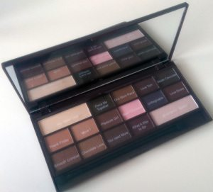 MAKEUP REVOLUTION I Heart Chocolate Palette