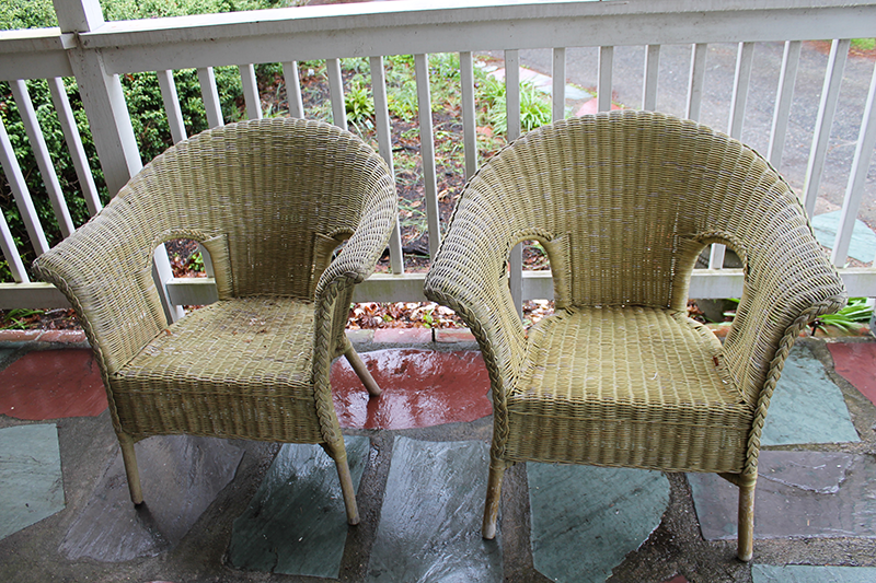 Painting Wicker Furniture with Chalk Paint   Thirty Something Mother     Wicker Chairs Before Painting