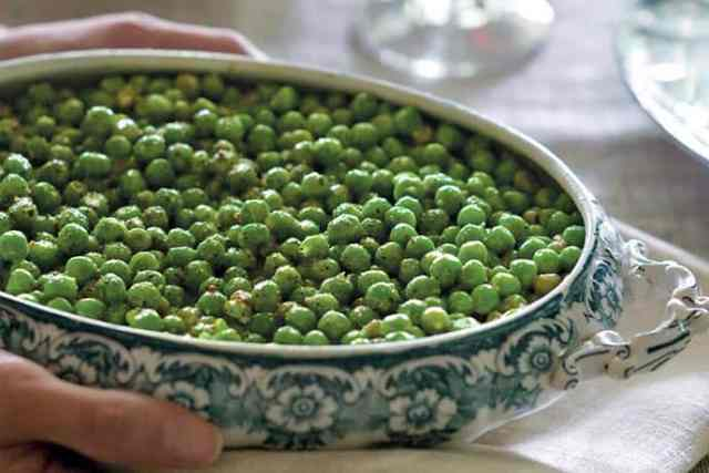 Seasonal Perfection: Creamed Peas or Peas in Béchamel   31Daily.com