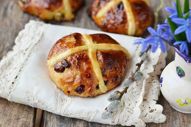 Easter Hot Cross Buns that are Easy to Make Ahead or on Good Friday