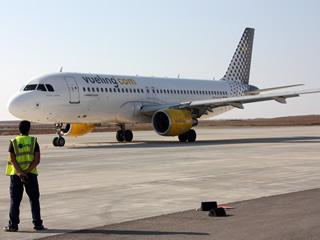 Imatge d'arxiu d'un avió de Vueling (Foto: ACN)