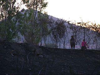 El foc ha cremat al costat de l'A-2 i del terme de Sant Feliu.