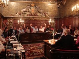 El ple de l'Ajuntament de Vic durant la votació. (Foto: ACN)
