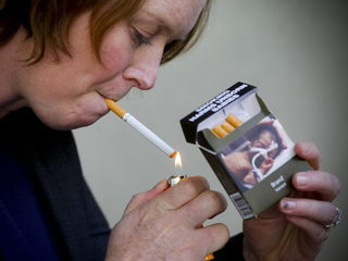 Els paquets de tabac tindran la mateixa mida i disseny. (Foto: EFE)
