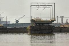 Pont tournant ouvert aux bateaux -  photo 33-bordeaux.com