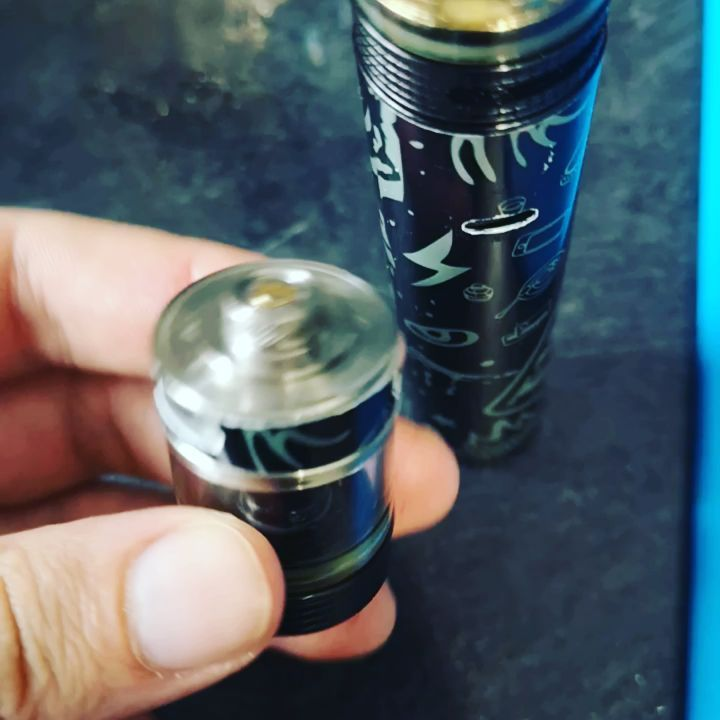 vape help ... Is this even removable? It's for a   ... So odd. My other has a st 2