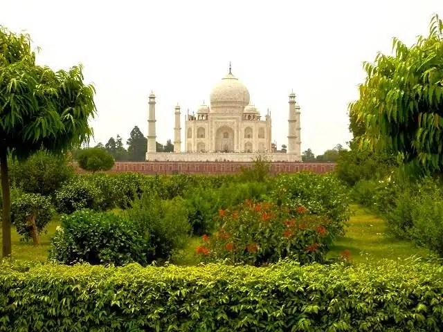 https://i1.wp.com/www.360meridianos.com/wp-content/uploads/2012/06/Vista-do-Taj-Mahal-%C3%8Dndia.jpg