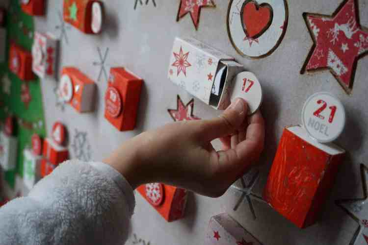 calendrier de l'avent original DIY, peinture à gratter