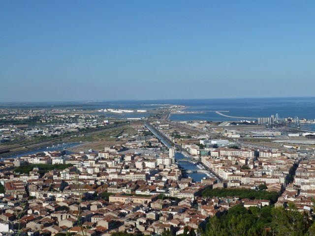 Blick auf Sète vom Aussichtspunkt Belvédère du Mont Saint-Clair. © Foto: akr