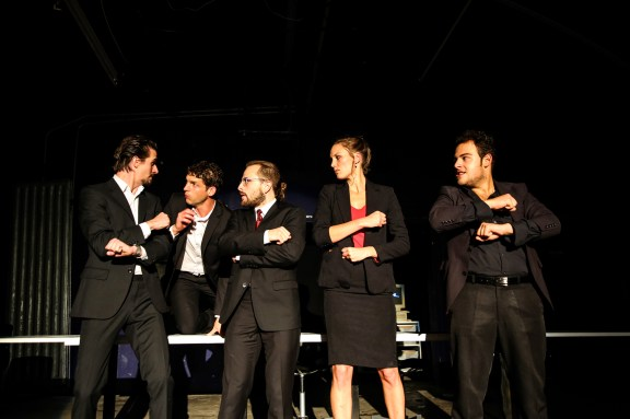 """Theater Rottstr. 5 spielt """"Caligula"""" - hier eine Ensembleszene. ©Foto: Theater Rottstr. 5"""