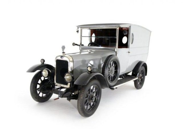 Clyno of Wolverhampton was producing 300 cars a week and became the third largest car manufacturer in Britain. But by 1929 the owing to qa combination of financial problems and poor sals of new models company would cease to exist.