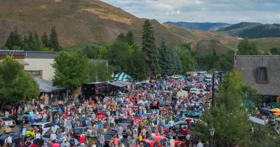Sun Valley Road Rally - Crowd