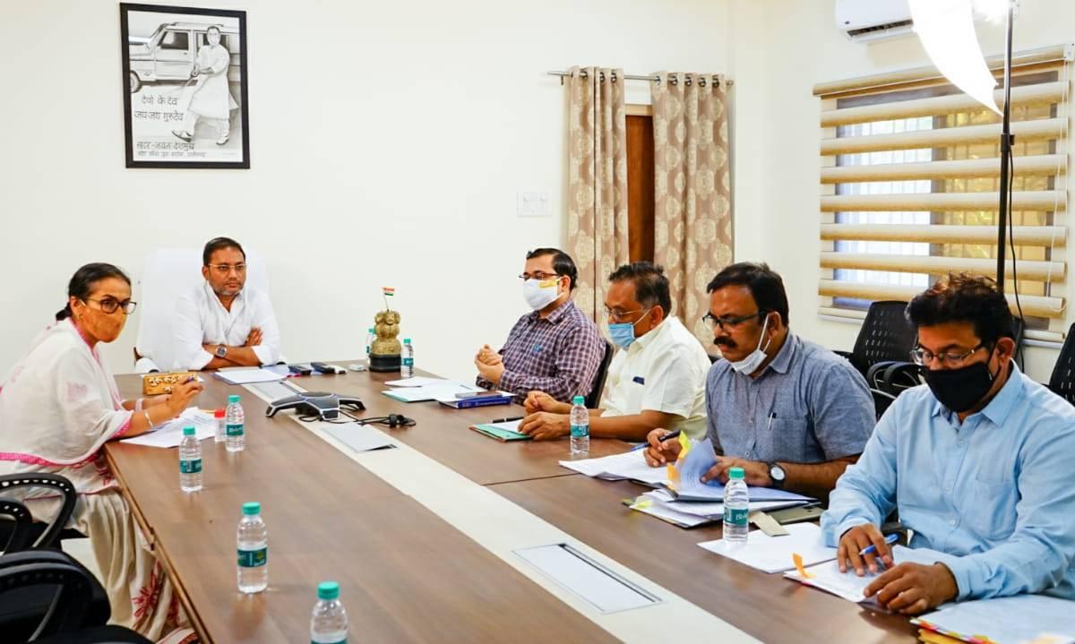 ग्रामोद्योग विभाग के हस्तशिल्प विकास बोर्ड,माटीकला बोर्ड द्वारा आगामी योजनाओं की अद्यतन स्थिति वर्चुअल बैठक के माध्यम से चर्चा: गुरु रूद्र कुमार