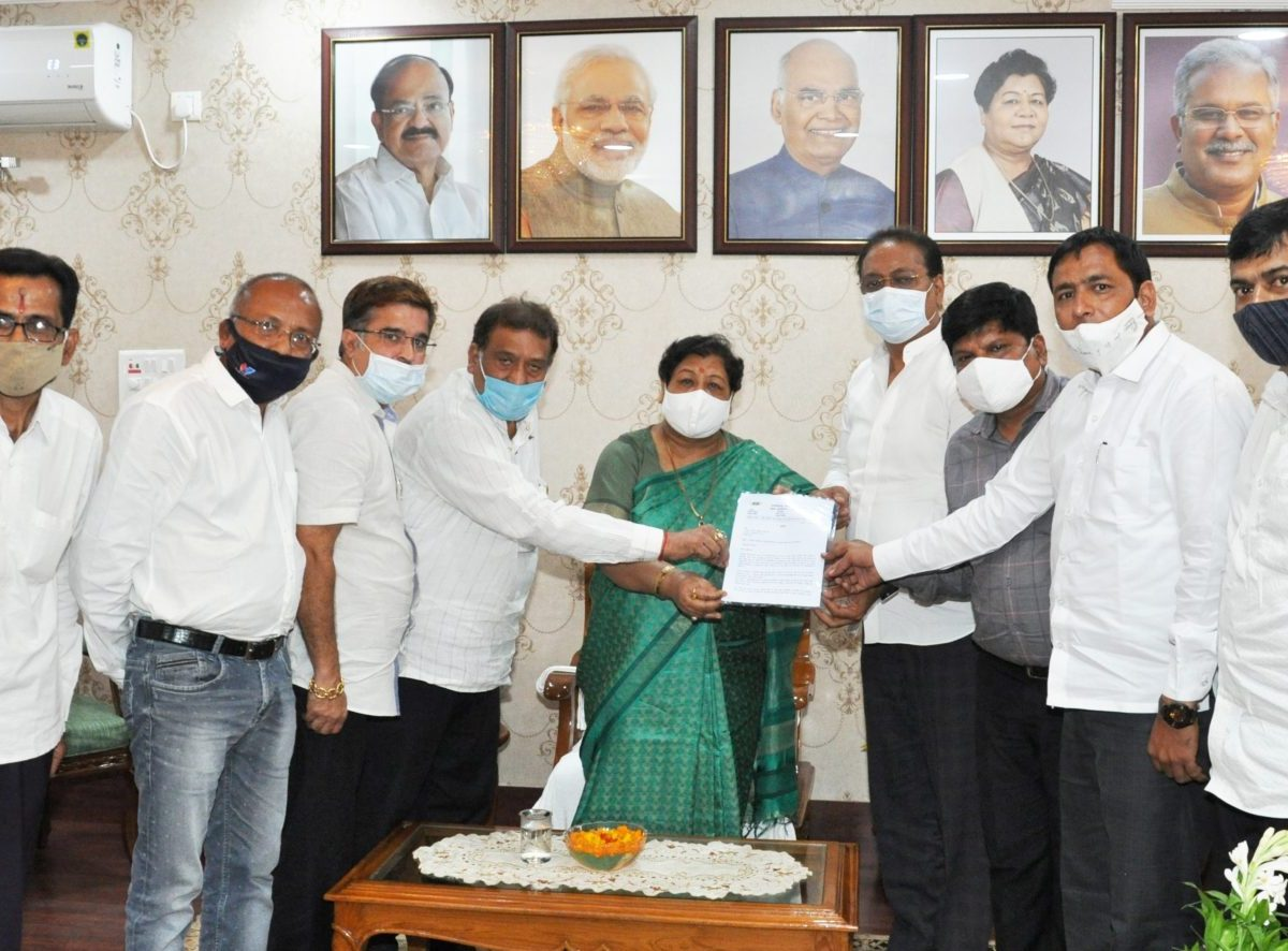 रायपुर : राज्यपाल से छत्तीसगढ़ सराफा एसोसिएशन के प्रतिनिधिमण्डल ने मुलाकात की