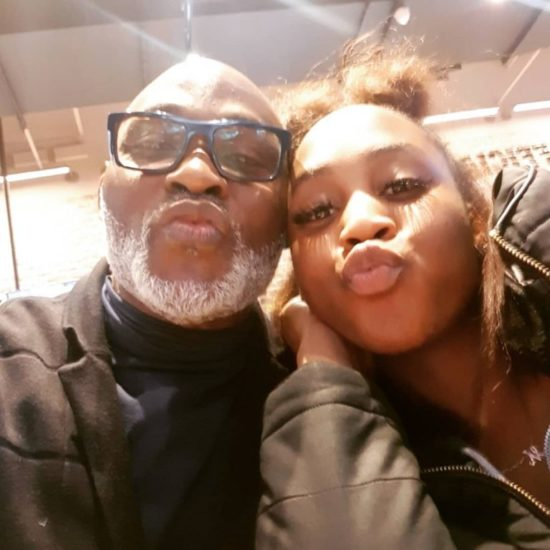 RMD all smiles with her daughter in rare photo 6