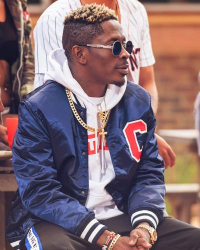 Shatta Wale flew a GHF – 630 helicopter to Cardi B's show one Accra (Video) 1