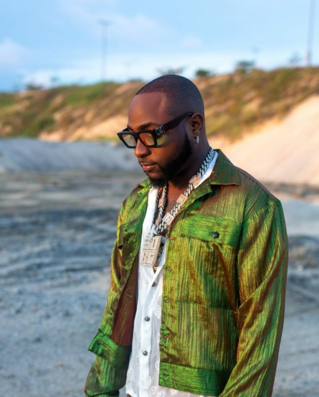 """""""I Changed Naira To Dollars Today And I Almost Cried"""" – Davido 1"""