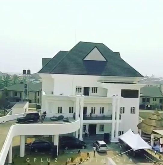 Emmanuel Emenike mansion in Owerri is super massive! (Video) 1