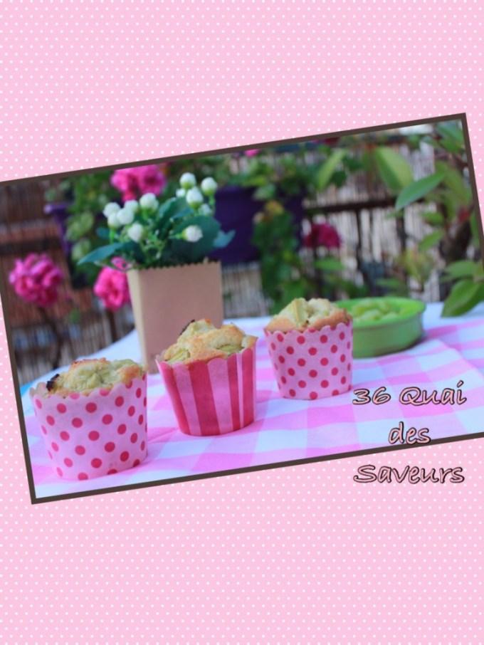 Moelleux aux amandes et à la rhubarbe