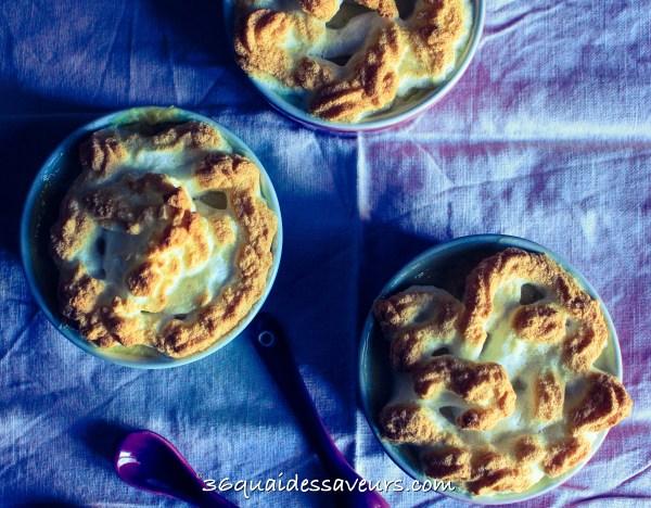 Mousse aux pommes meringuée
