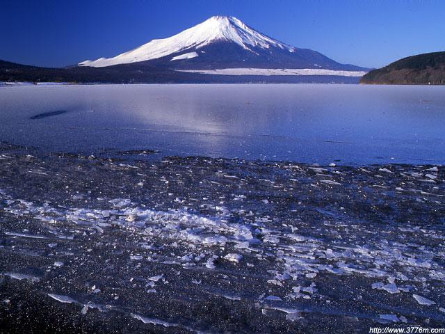 氷雪源の富士山/山中湖