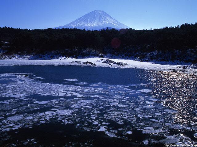 割れ氷/精進湖
