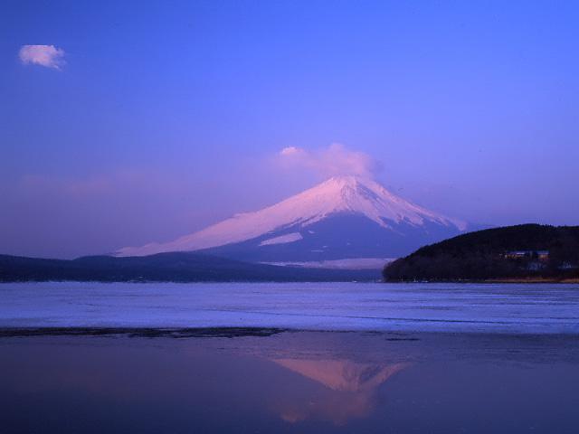 凍結の紅富士/山中湖