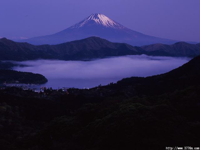 雲海の大観山夜景/箱根