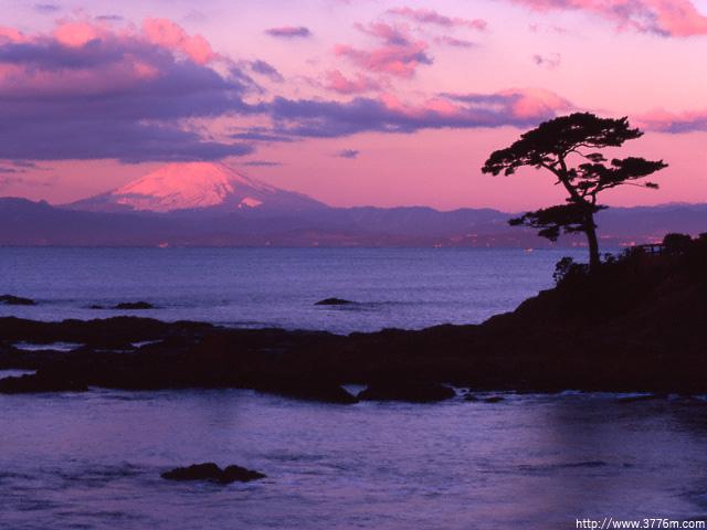 湘南海岸の紅富士/立石公園