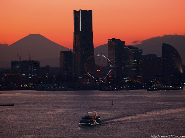 横浜の夕暮れ/横浜スカイウォーク
