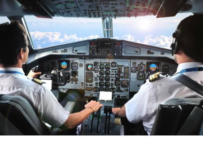 طائرات قطر تتكدس في سماء إيران