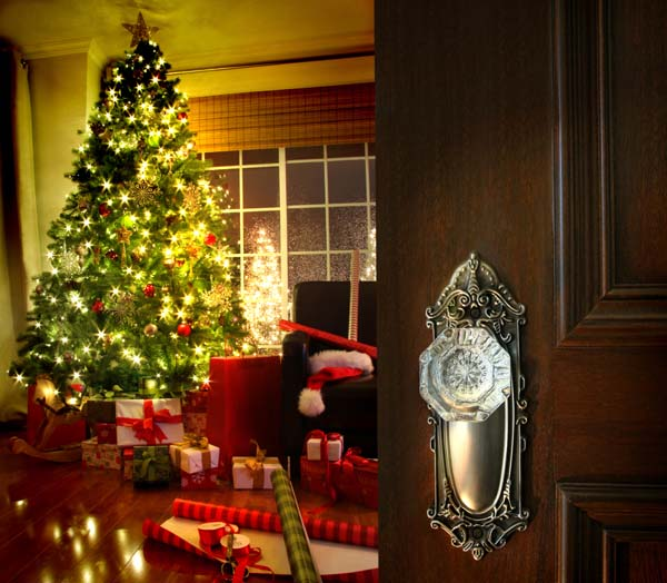 Christmas-Tree-behind-opening-door
