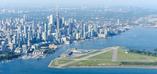Billy_Bishop_Toronto_City_Airport.jpg